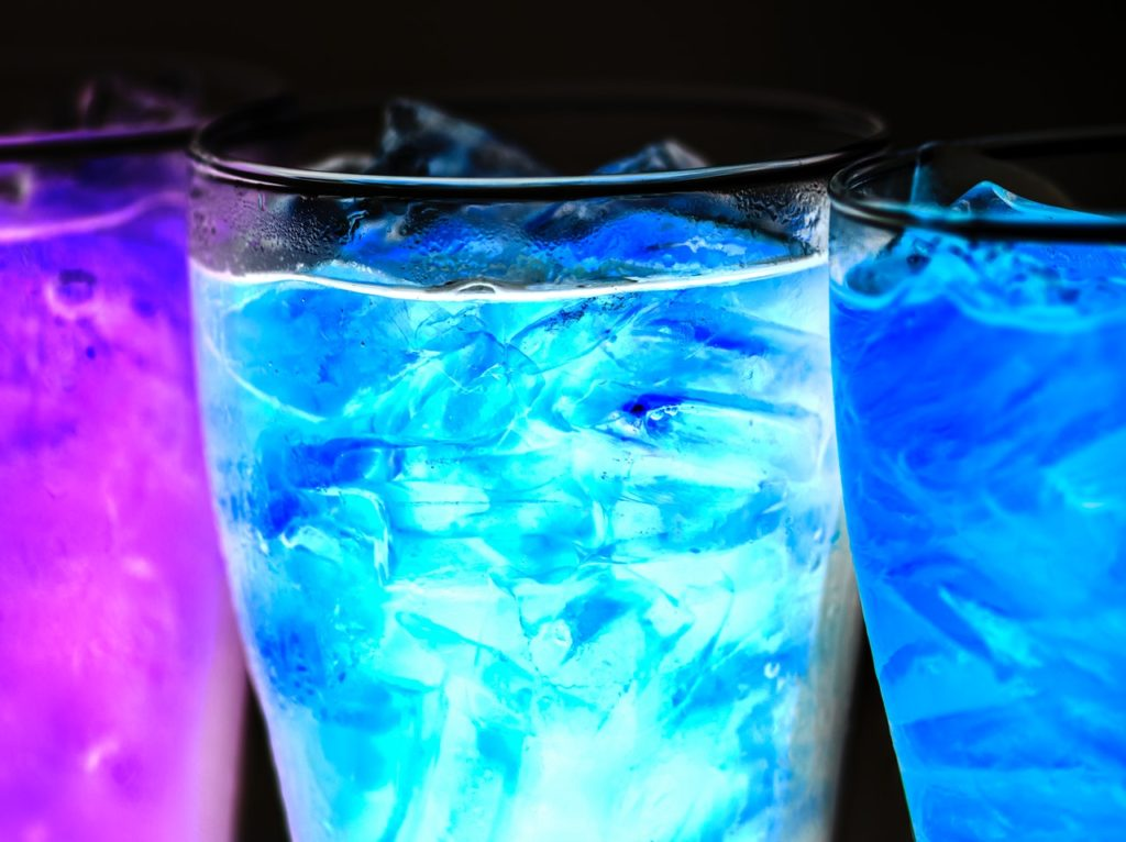 alcohol-beverage-black-background